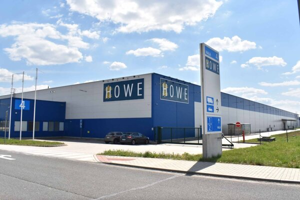 Firma Howe Slovensko momentálne nevyrába, začala s prepúšťaním.