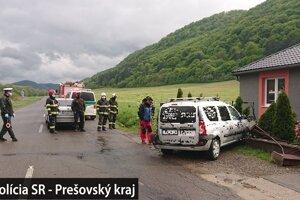Vodič sa zranil, poškodil oplotenie a auto.