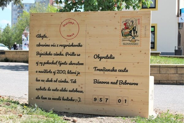 Pohľadnicová lavička v Bánovciach nad Bebravou