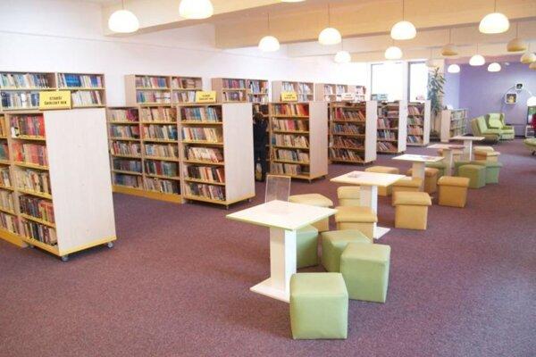 Knižnica vo Vranove nad Topľou.