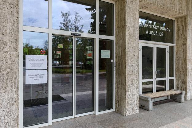 Vysokoškolský internát Zobor v Nitre.
