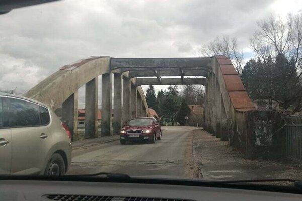 Oblúkový most v Rakovej.