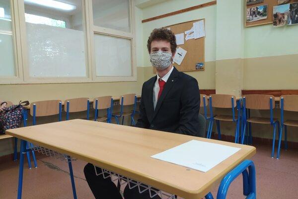 Z angličtiny sa rozhodol maturovať klasickým spôsobom aj Tomáš.