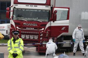 Obete našli v októbri vo vnútri zaparkovaného chladiarenského návesu kamióna privezeného do Anglicka.