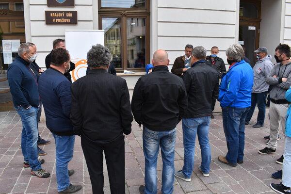 Protest pred Krajským súdom v Prešove.