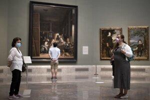 Návštevníci musia dodržiavať dvojmetrovú vzdialenosť a mať tvárové rúško.