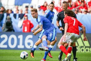Ondrej Duda v zápase Slovensko - Wales na ME vo futbale 2016.