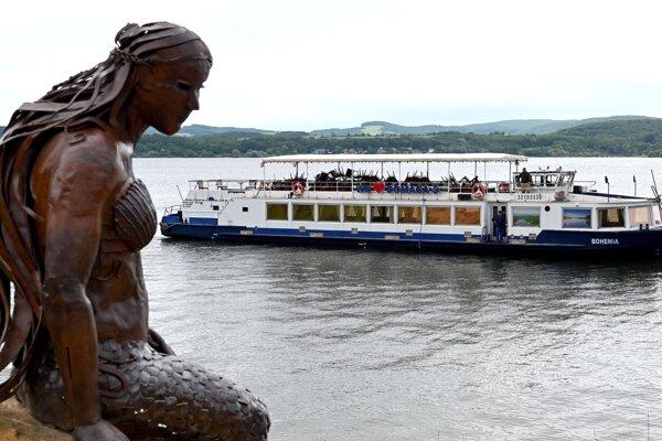 Spustenie lode Bohemia na vodu.