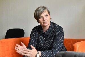 Nie každý pracujúci má na komerčné bývanie, upozorňuje Alena Vachnová.
