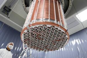 Detektor XENON1T, ktorý pátra po tmavej hmote. Pri poslednom pokuse vedci zistili nečakaný nadbytok signálov, ktorý nevedeli vysvetliť.