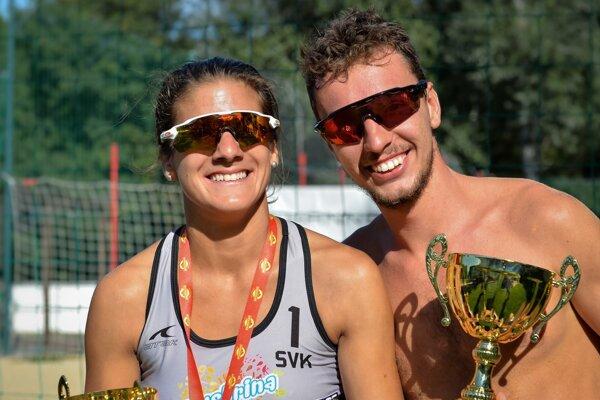 Eva Eleková a Ľuboš Nemec. Obhajcovia slovenských titulov v plážovom volejbale tvoria v súkromí pár.