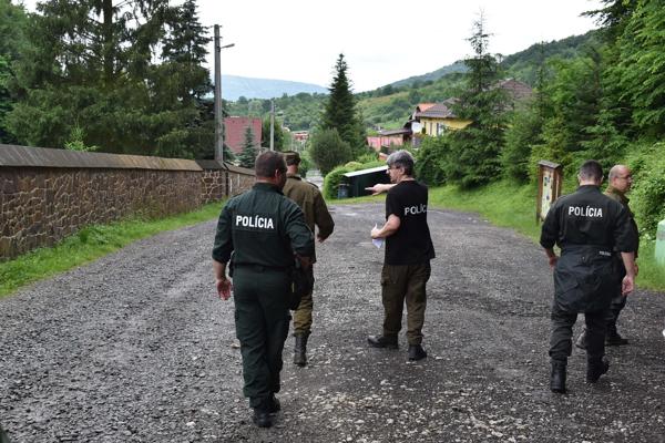 Polícia pátra po nezvestnom mužovi v okolí Jasenovského hradu.
