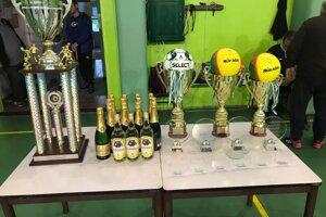 Ligové trofeje a ocenenia.