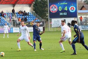 Káder bardejovských futbalistov sa postupne formuje.