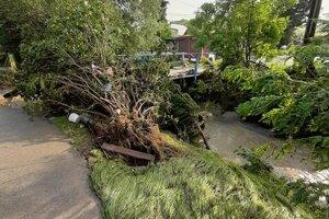 Liptovské Sliače v sobotu ráno, keď veľká voda opadla.