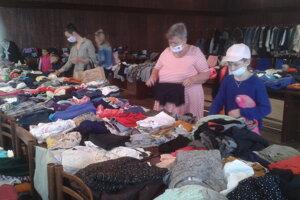 Väčšinu vecí tvorilo oblečenie.