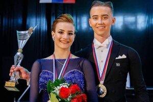 Tanečný pár z Levíc.