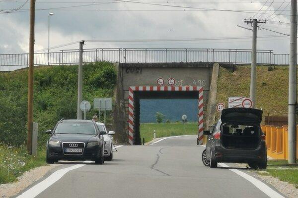Opravená cesta potešila miestnych, turisti sa ňou dostanú do  Slovenského raja.