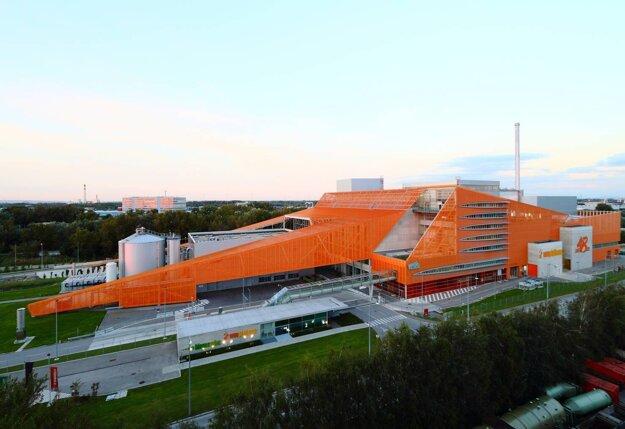 Viedenské ZEVO Pfaffenau premieňa odpad na teplo pre 50-tisíc domácností a elektrinu pre polovicu znich.