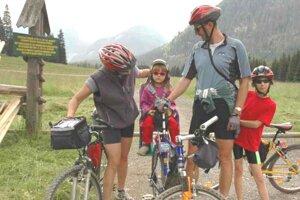 Na bicykli s deťmi.