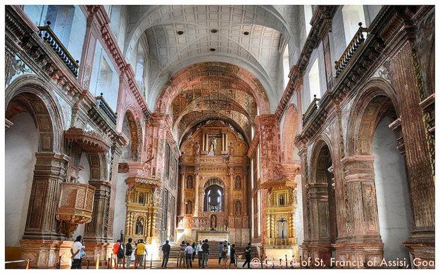 Interiér kostola sv. Františka z Assisi v Goa.