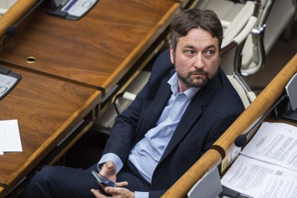 Opozičný poslanec Ľuboš Blaha.