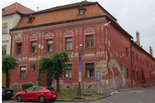 Meštiansky dom v Levoči bol v minulosti v zlom stave, postupne ho mesto obnovuje.