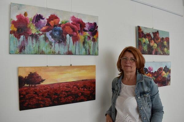 Mária Lelková vystavuje v galerijných priestoroch Domu kultúry v Humennom do 23.júla.