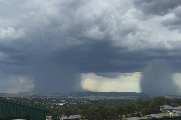 V utorok hrozia na celom východe búrka, aj intenzívne.