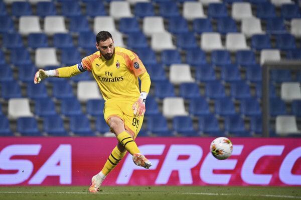 Gianluigi Donnarumma v drese AC Miláno.