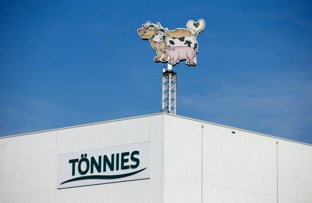 Výrobná hala bitúnku spoločnosti Tönnies v meste Rheda-Wiedenbrück v spolkovej krajine Severné Porýnie-Vestfálsko.