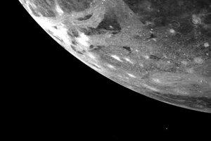Mesiac Ganymedes.