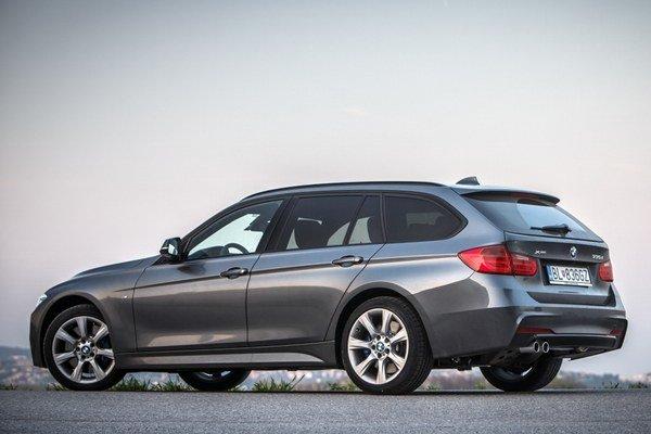 Kombi verzia BMW radu 3 so šesťvalcovým motorom poteší úrovňou cestovania najmä počas dlhých výletov.
