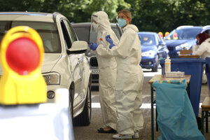 Testovanie na koronavírus v nemeckom meste Mamming.
