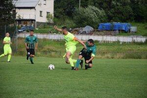 Záber zo zápasu medzi Čiernym a Gbeľanmi.