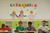 Niektorí žiaci sa vrátili do školských lavíc, začínajú sa letné školy