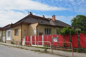 Predmetná škôlka na Hviezdoslavovej, zostáva zatvorená.