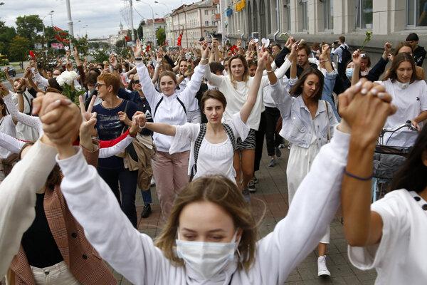 Pochod žien v Misku za slobodu prejavu.