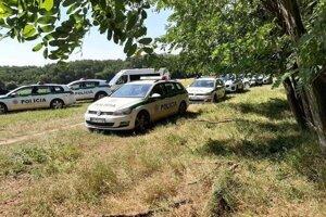 Polícia zaistila viac ako dvadsať migrantov.