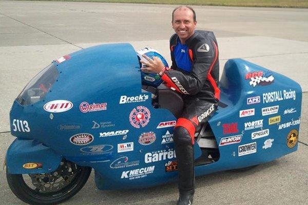 Bill Warner v jeho superrýchlej motorke.
