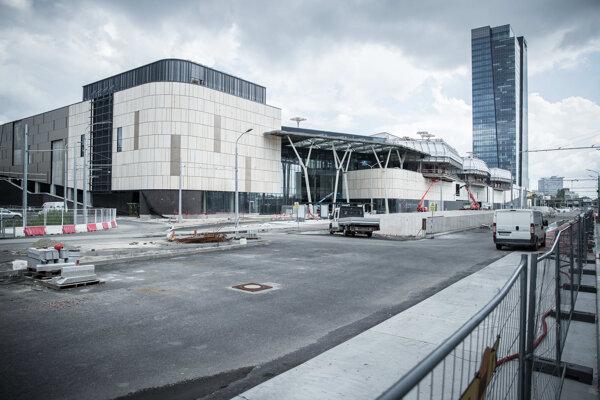 Výstavba autobusovej stanice Mlynské Nivy. Súčasťou výstavby má byť aj úplná rekonštrukcia ulice Mlynské nivy.
