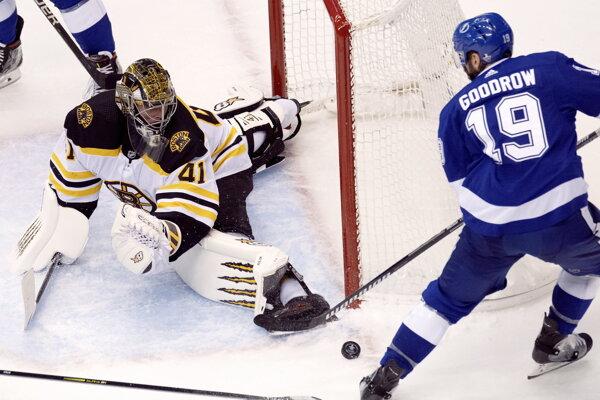 Jaroslav Halák v zápase Boston - Tampa Bay v NHL play off.
