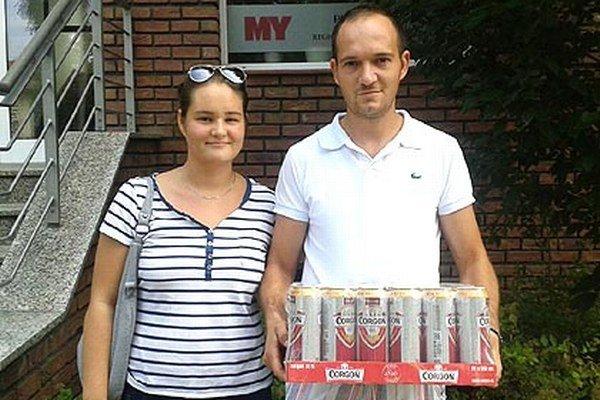 Víťazom 2. kola bol Peter Lajda z Ivanky. Na snímke je s priateľkou Petrou.