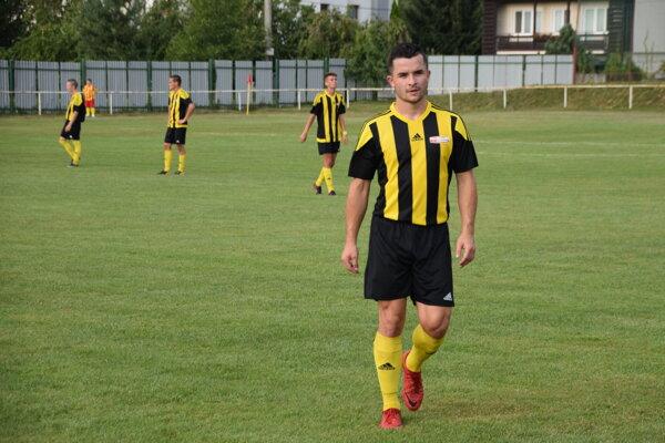 Futbalisti OŠK Rosina zdolali v derby najtesnejším rozdielom Stráňavy.