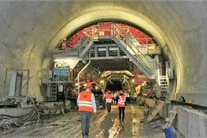 Výstavba tunela Višňové.