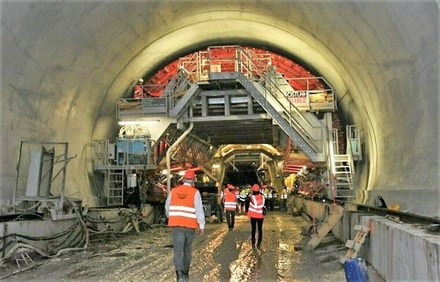 Tunel Višňové – Dubná skala mal byť podľa pôvodných plánov dokončený minulý rok.