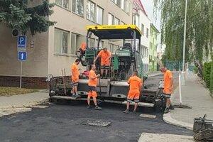 V rámci rekonštrukčných prác dostala nový povrch aj cesta na Bjőrnsonovej ulici.
