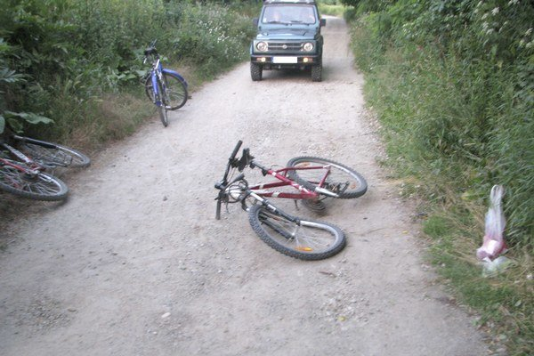 Miesto, kde vodič na štvorkolke zrazil cyklistku.