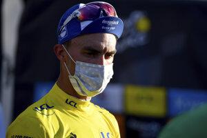 Julian Alaphilippe v žltom drese na Tour de France 2020.