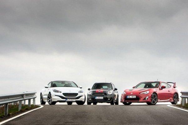 Tri rôzne pohľady na zábavu za volantom: Toyota GT86, Peugeot RCZ a MINI Countryman JCW.
